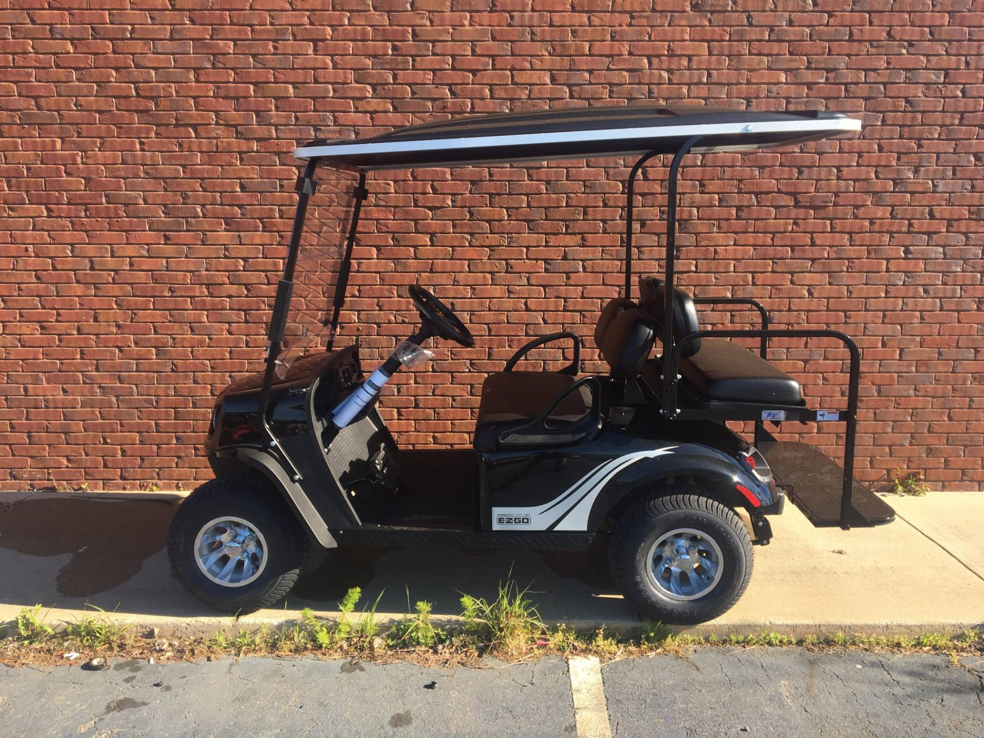 2017 E-Z-Go TXT FREEDOM 72 VOLT in Covington, Georgia