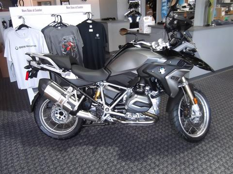 2017 BMW R1200GS LOW SUSPENSION in Boerne, Texas