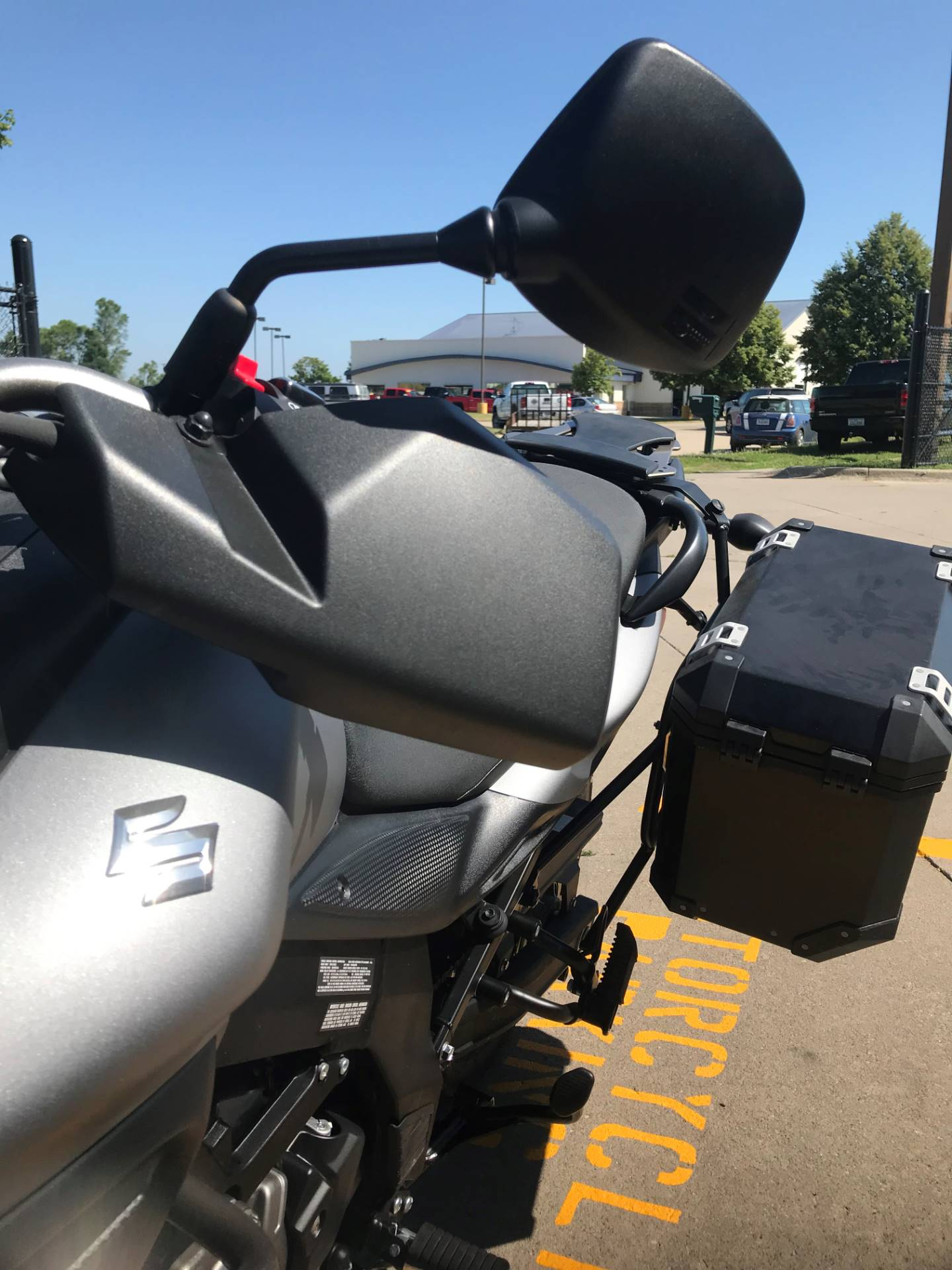 2015 Suzuki V-Strom 650 XT ABS in Iowa City, Iowa - Photo 7