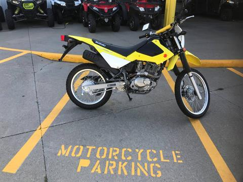 2015 Suzuki DR200S in Iowa City, Iowa