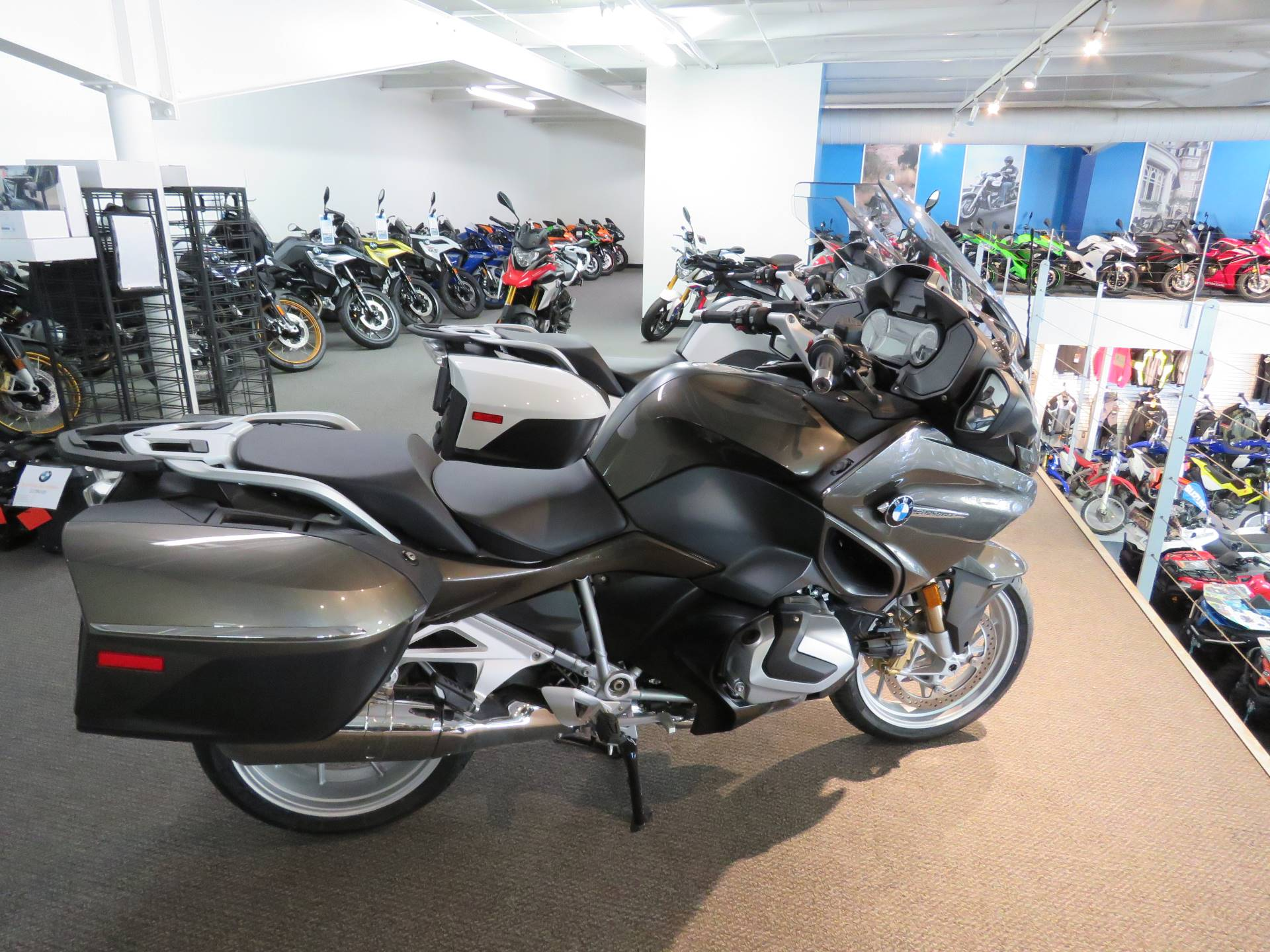 2020 BMW R1250RT in Iowa City, Iowa - Photo 4