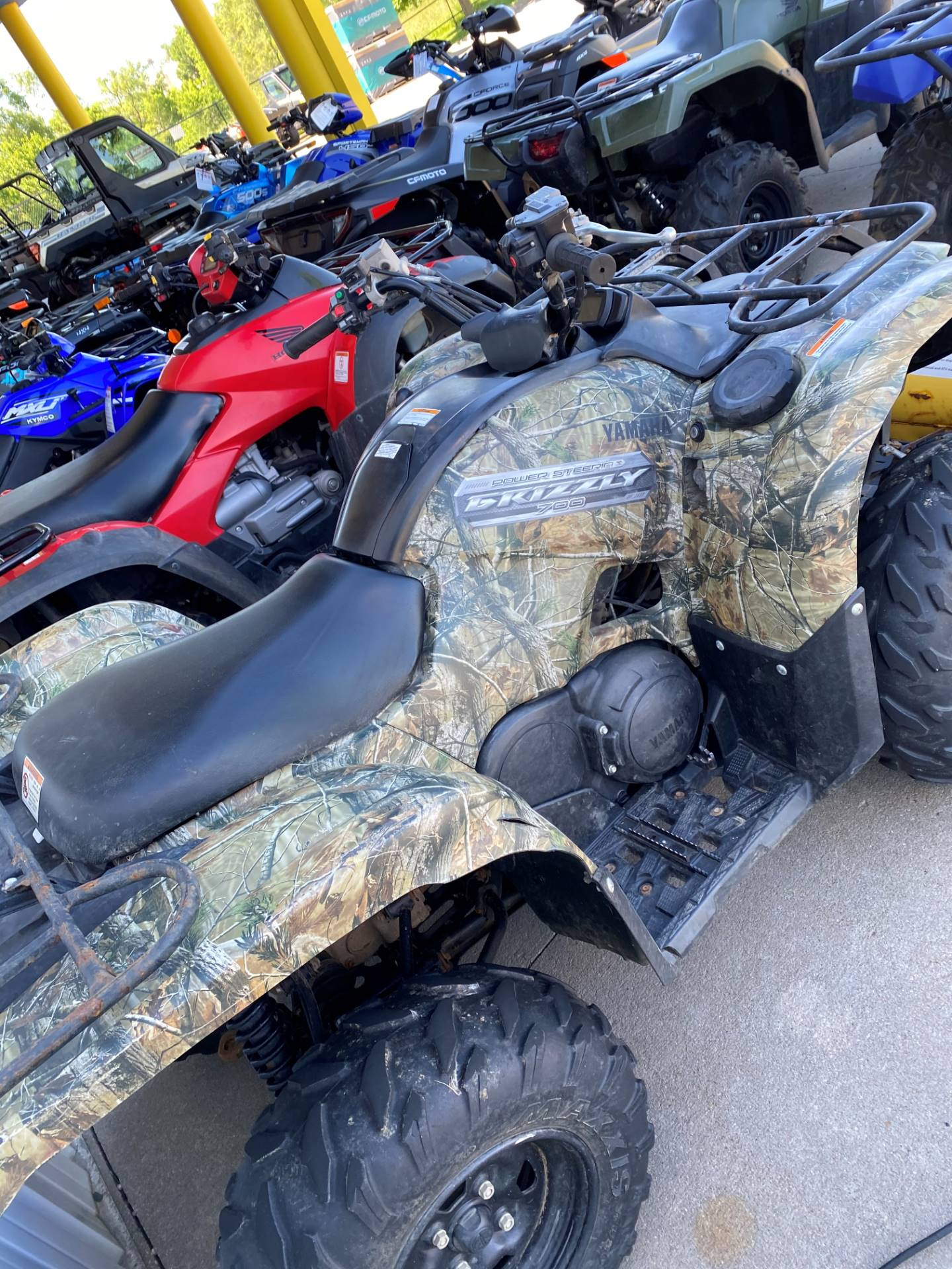 2013 Yamaha Grizzly 700 FI Auto. 4x4 in Iowa City, Iowa - Photo 2