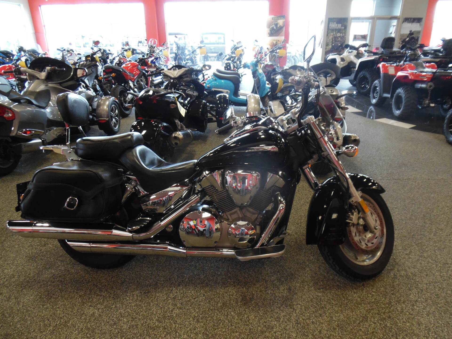 2005 Honda VTX™ 1300S in Menominee, Michigan