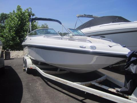 2008 Crownline 23SS in Osage Beach, Missouri