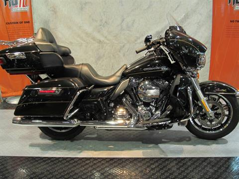 2016 Harley-Davidson Ultra Limited Low in Rothschild, Wisconsin