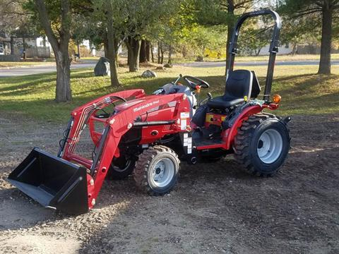 2016 Mahindra Max 26XL 4WD Shuttle in Mount Pleasant, Michigan