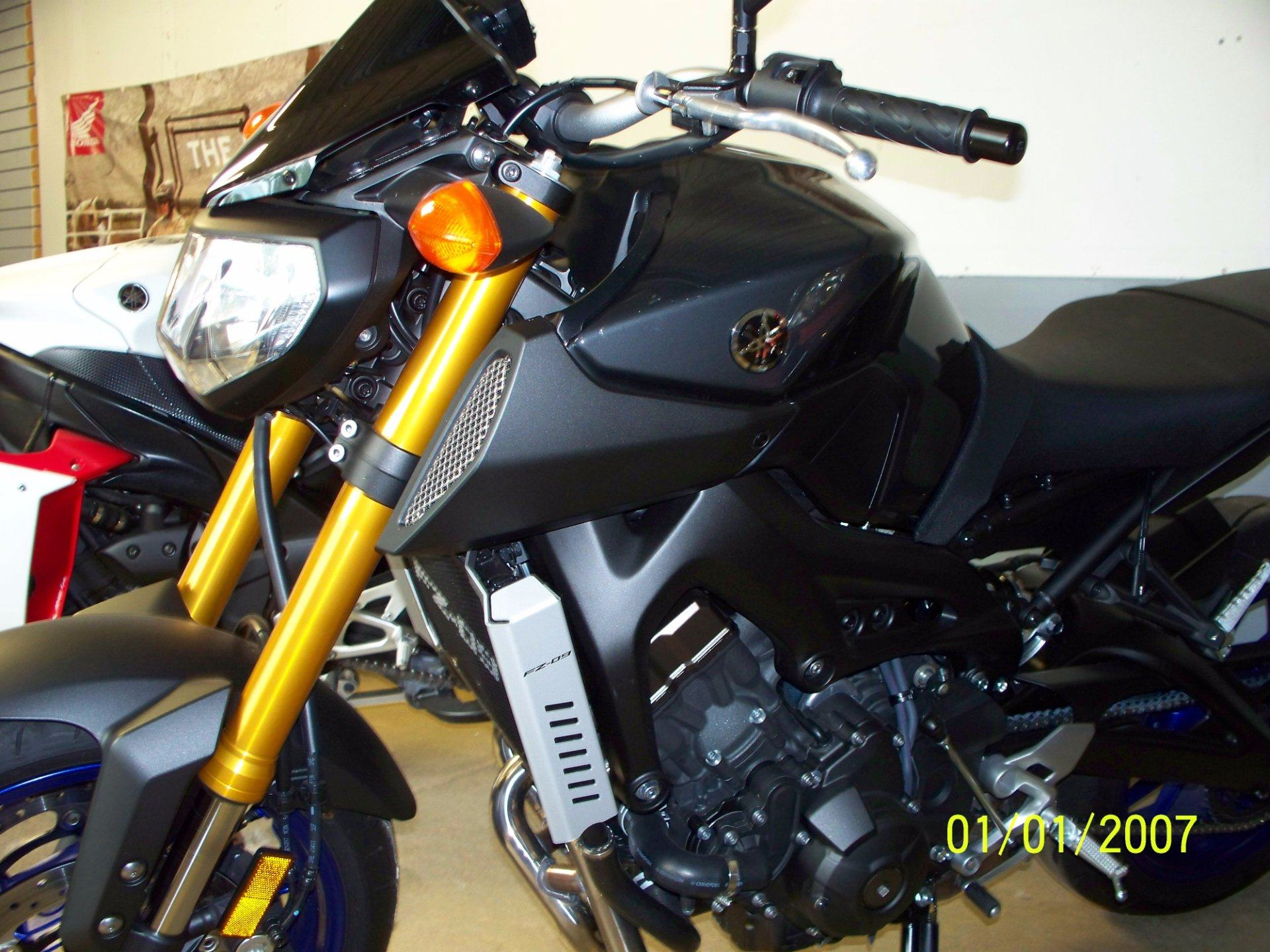 2014 Yamaha FZ-09 in Sterling, Illinois