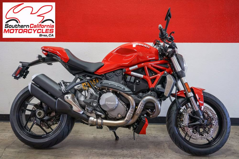 The new Monster 1200 fully embodies those values that have seen bikers hearts race for over 20 ye