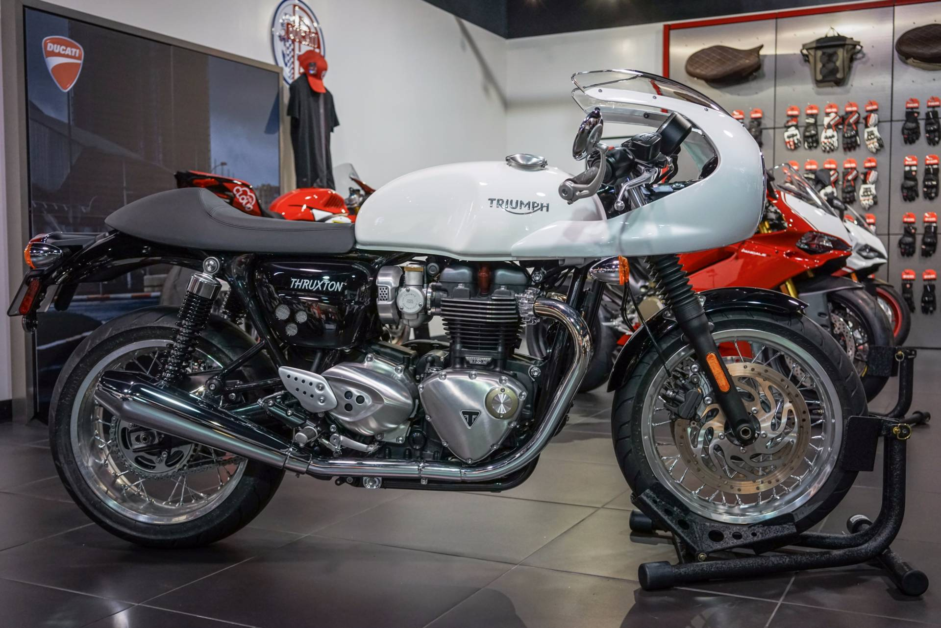 The all-new Thruxton takes the modern classic sports bike to a new level combining beautifully sh