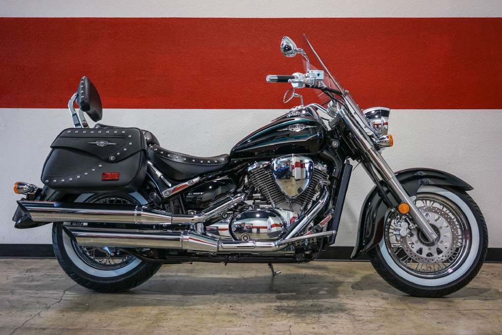 With the Suzuki Boulevard C50T youll find yourself equally at home on the boulevard or the inters