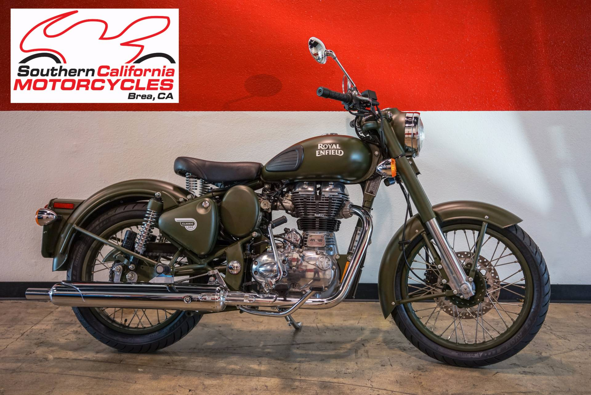 The Classic Battle Green comes to you with a paint scheme reminiscent of the War era a time when