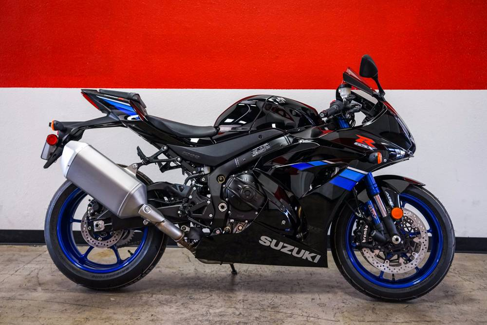 It has been three decades with more than a million editions sold since the GSX-R line was born