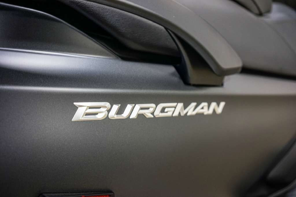 2016 Suzuki Burgman 650 Executive ABS in Brea, California