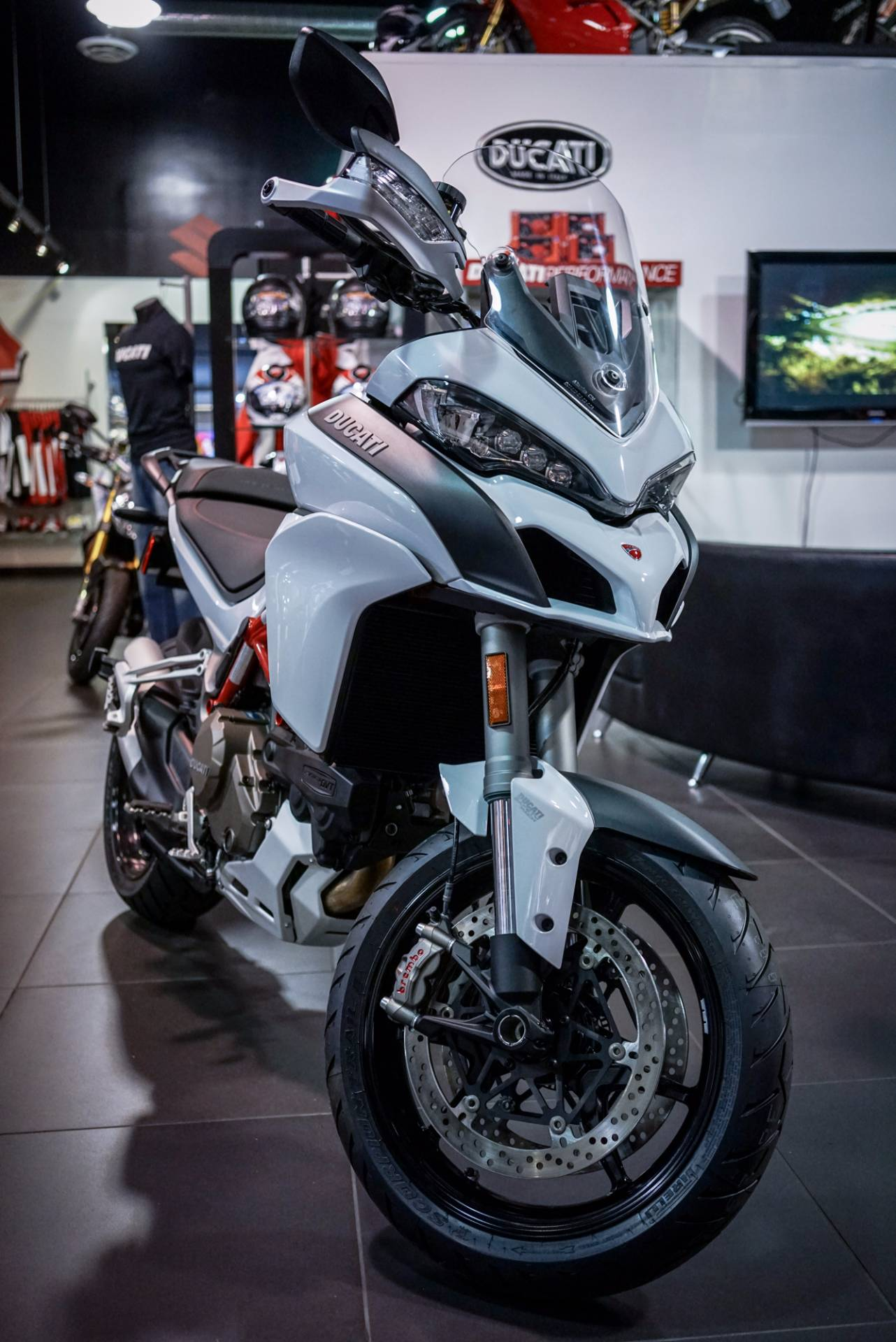 The Multistrada 1200 S takes riding beyond all the barriers of compromise Nothing stands in your