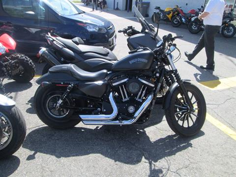 2015 Harley-Davidson Iron 883™ in Dearborn Heights, Michigan