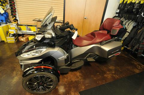 2015 Can-Am Spyder® RT-S Special Series SE6 in Portland, Oregon
