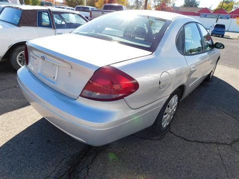 2005 Ford Taurus in Loveland, Colorado
