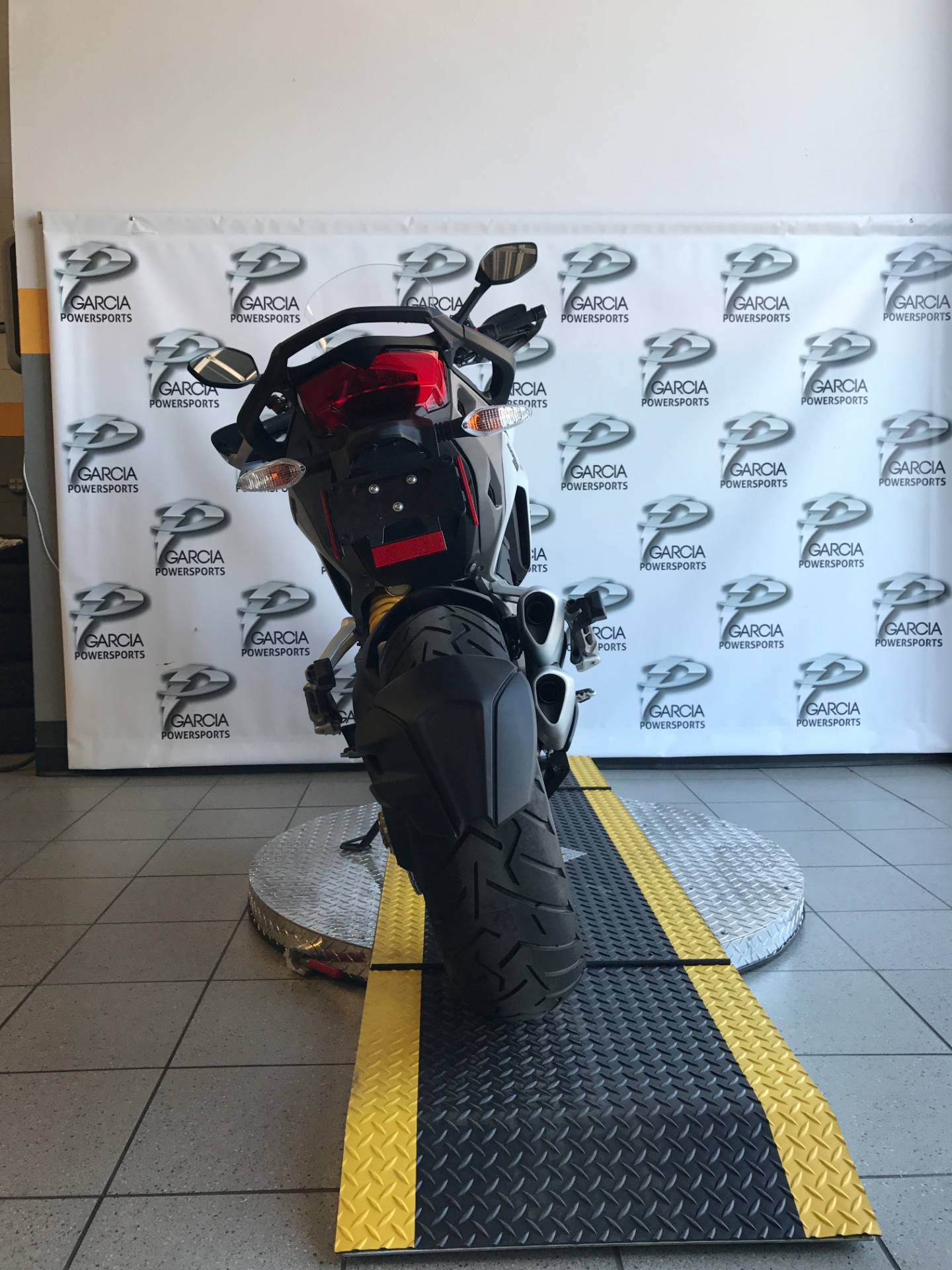2016 Ducati Monster 1200S in Albuquerque, New Mexico