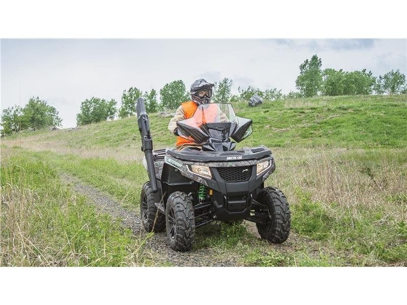2016 Arctic Cat Alterra 550 XT in Hillsborough, New Hampshire