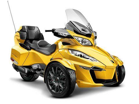 2015 Can-Am Spyder® RT-S SE6 in Dickinson, North Dakota