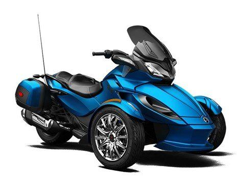2015 Can-Am Spyder® ST Limited in Dickinson, North Dakota