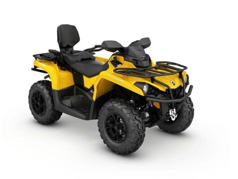 2017 Can-Am Outlander MAX XT 570 in Clinton Township, Michigan