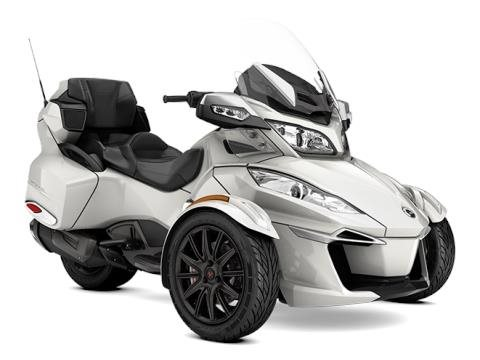 2017 Can-Am Spyder RT-S in Baldwin, Michigan