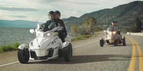 2017 Can-Am Spyder RT SE6 in Lancaster, New Hampshire