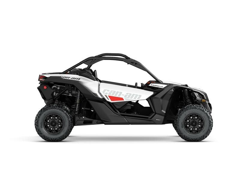 2017 Can-Am Maverick X3 Turbo R in Pompano Beach, Florida