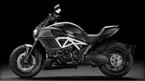 2015 Ducati Diavel Carbon in Greenville, South Carolina
