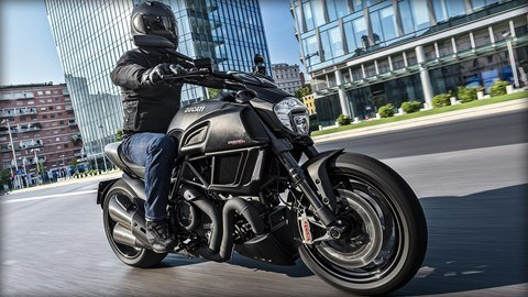 2016 Ducati Diavel Carbon in Orlando, Florida