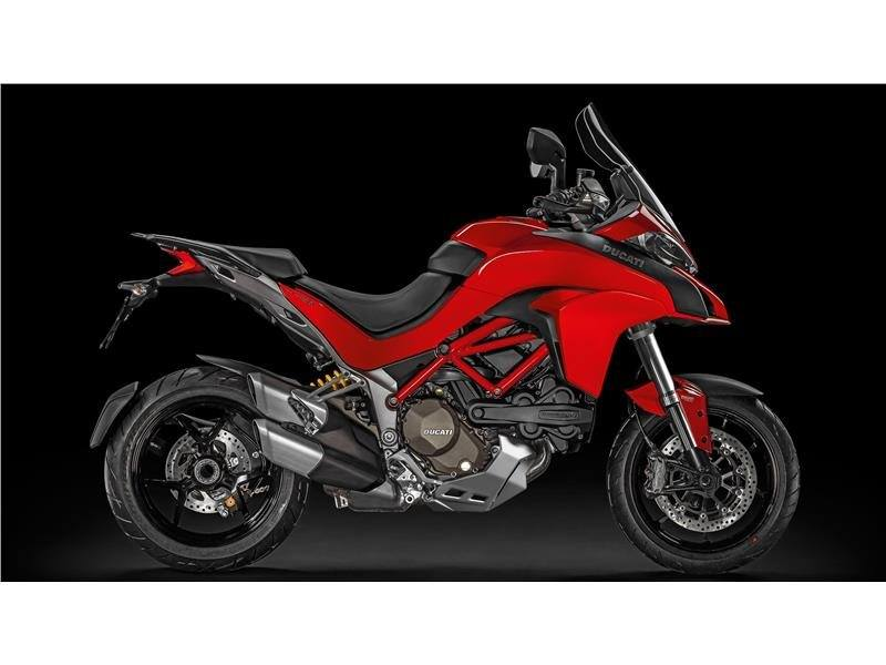The Multistrada 1200 adapts with ease to any road ensuring superior performance versatility comf