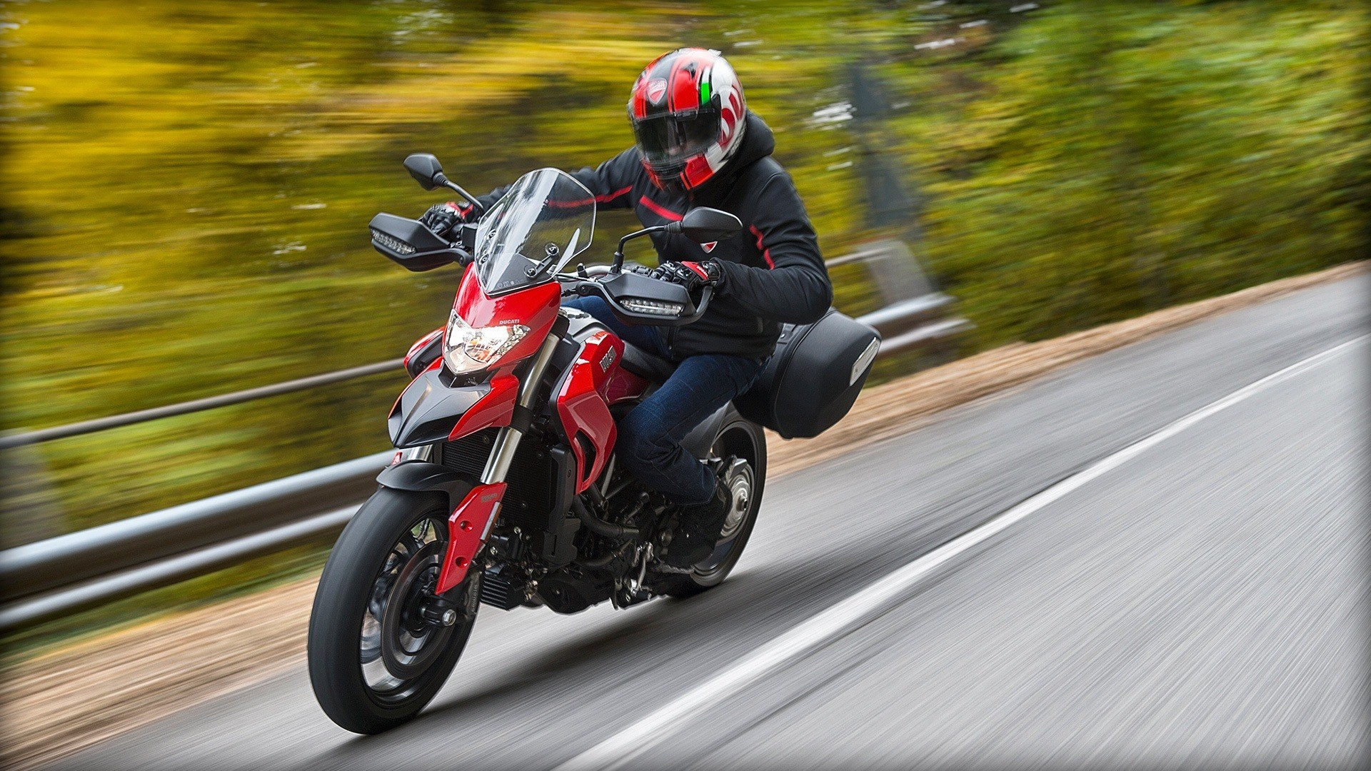 2016 Ducati Hyperstrada 939 in New Haven, Connecticut