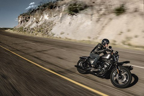 2016 Harley-Davidson Iron 883™ in Dimondale, Michigan