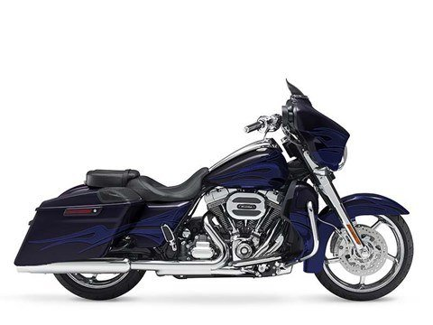 2016 Harley-Davidson CVO™ Street Glide® in Green River, Wyoming