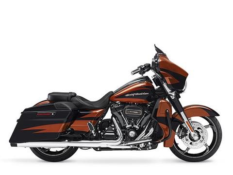 2017 Harley-Davidson CVO™ Street Glide® in Green River, Wyoming