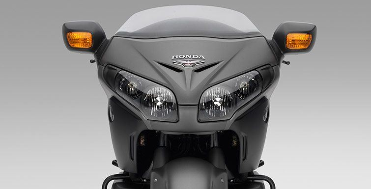 2016 Honda Gold Wing F6B Deluxe in Long Island City, New York