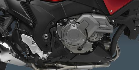 2017 Honda VFR1200X DCT in Hollister, California