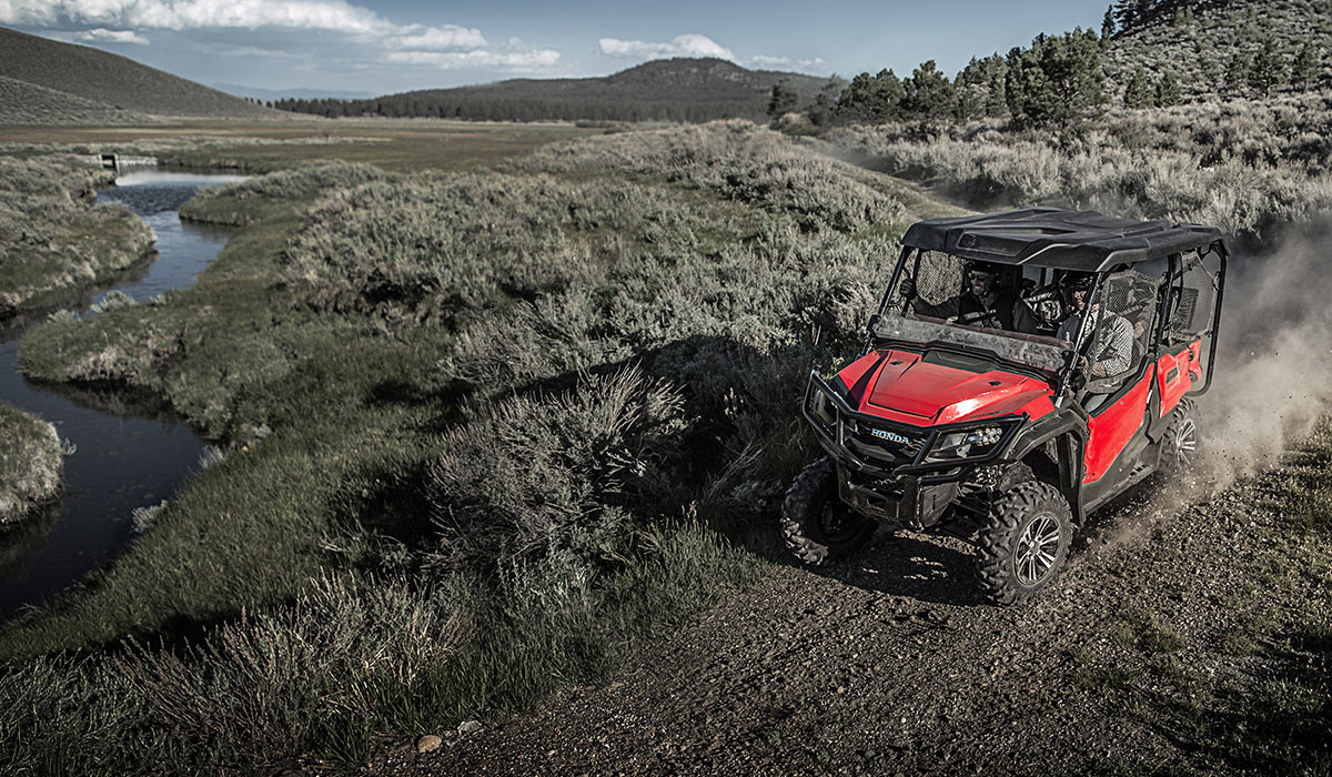 2017 Honda Pioneer 1000-5 Deluxe in Las Cruces, New Mexico