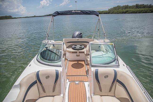 2017 Hurricane SunDeck 2200 DC OB in Lake City, Florida