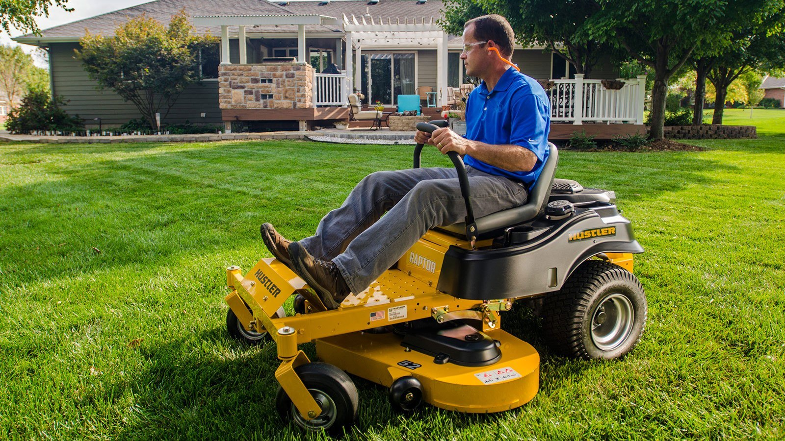 Hustler lawn mower dealer