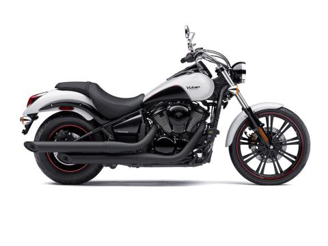 2016 Kawasaki Vulcan 900 Custom in Fort Pierce, Florida