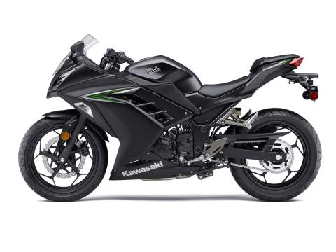 2016 Kawasaki Ninja 300 in Hayward, California