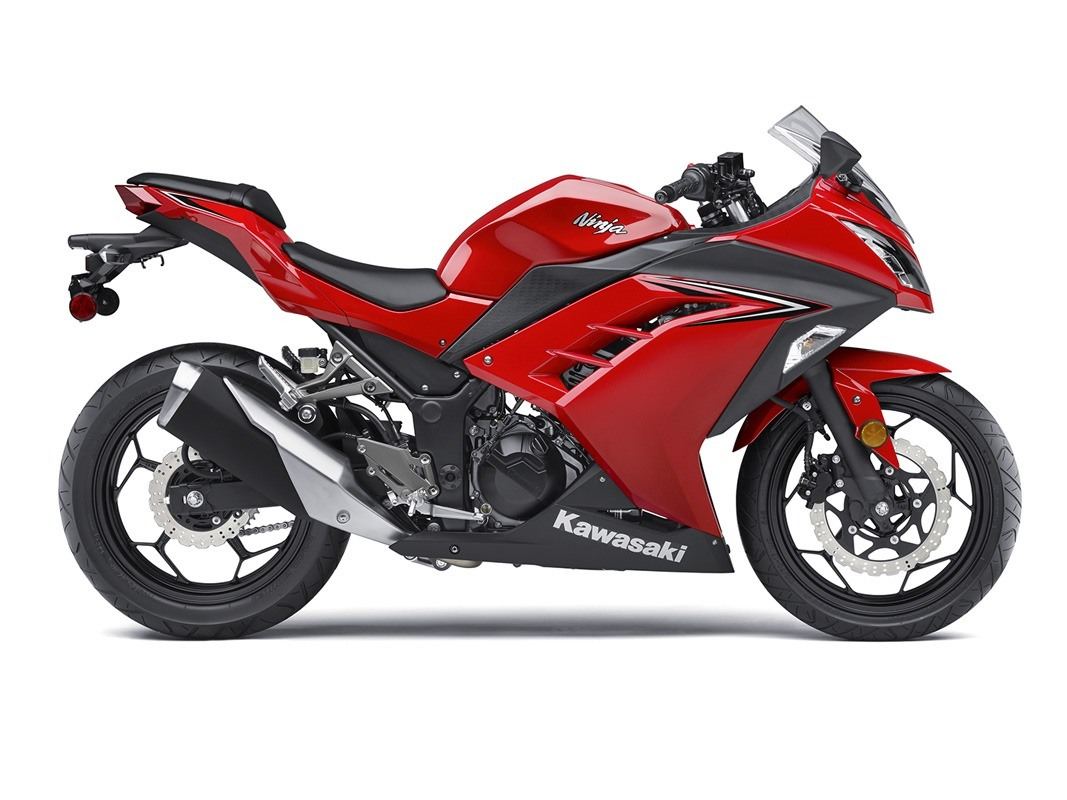 2016 Kawasaki Ninja 300 in Orange, California