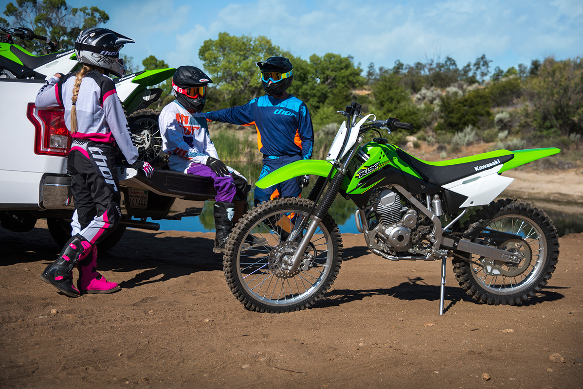 2017 Kawasaki KLX140G in Corona, California