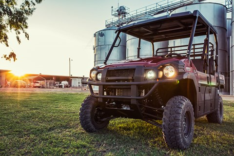 2017 Kawasaki Mule PRO-DXT EPS LE Diesel in Mount Pleasant, Michigan