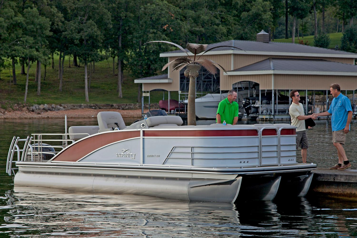 2016 Lowe Infinity 250 CL in Fort Smith, Arkansas