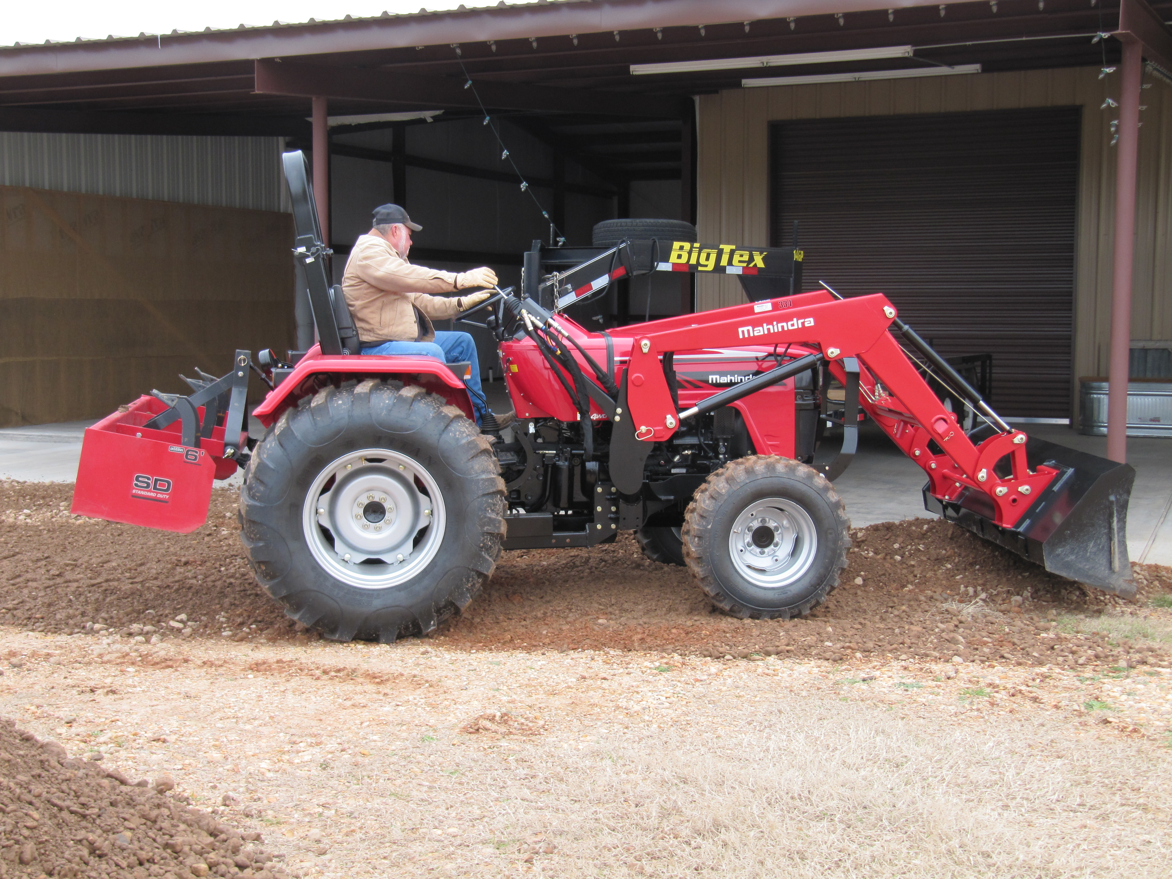 2017 Mahindra 4550 4WD in Saucier, Mississippi