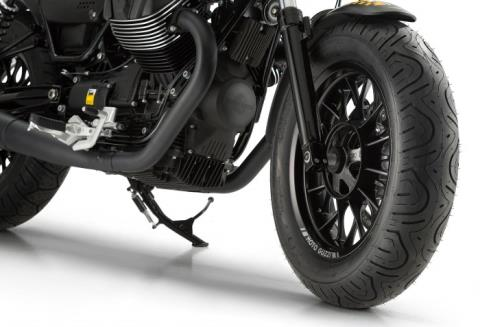 2016 Moto Guzzi V9 Bobber in Middleton, Wisconsin