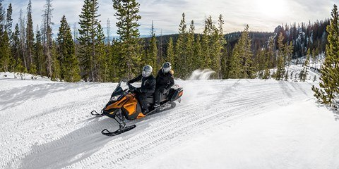 2017 Ski-Doo Grand Touring SE 1200 4-TEC in Hotchkiss, Colorado